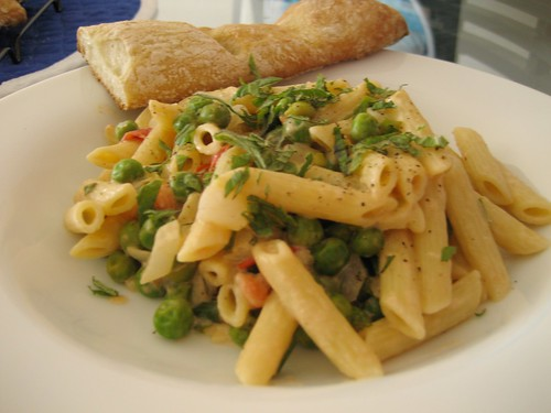 pasta with homemade baguette