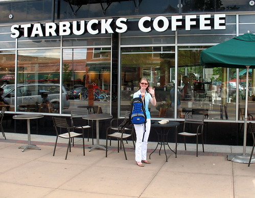Vor dem Starbucks in Downtown Fort Collins