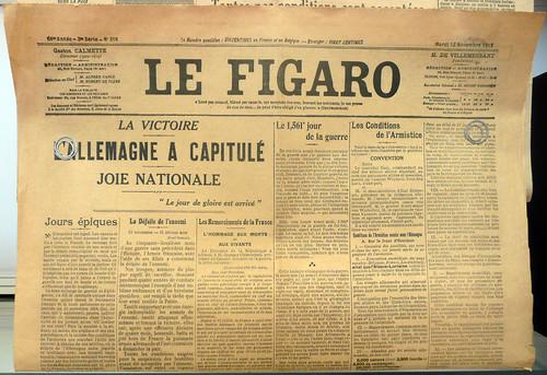 Le Figaro du 12 novembre 1918 annoncé la capitulation de l'Allemagne. Objet exposé à l'Historial de la Grande Guerre à Péronne (Somme)