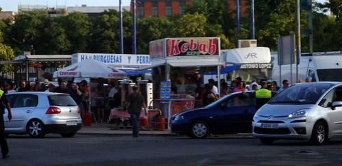 Sevilla Springsteen 04 Puestos en las afueras del Estadio