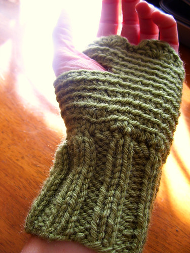 olive shortie mitts