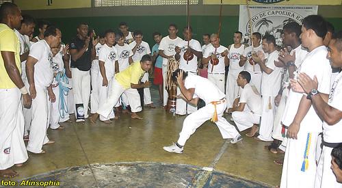 Capoeira Raízes 01 por você.