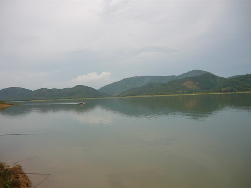 Một góc hồ Đa Tôn