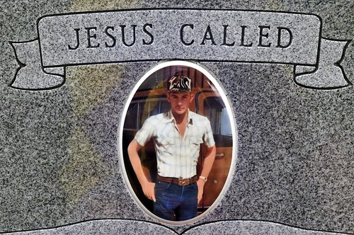 """click here for my """"gravestone portraits"""" set on flickr"""