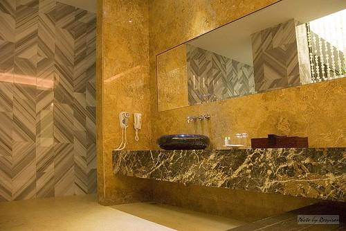 楓舞套房浴室的洗臉台。