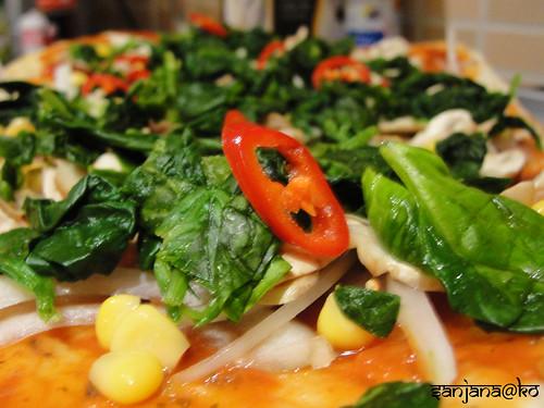 naan pizza 4