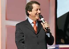 Missionário R.R. Soares, da Igreja Internacional da Graça: oito emissoras próprias e 170 retransmissores em UHF, VHF, cabo e satélite
