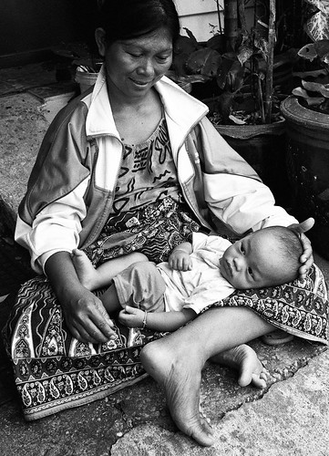 mother and child - Bangkok, city of angels