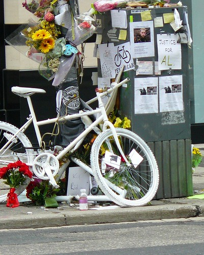 Ghost Bike for Al Sheppard - Photo from Martinho's (Martin Reis) flickr
