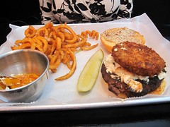 the burger club - the georgia burger with curly