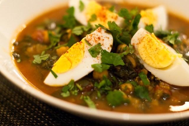 Soep van spinazie, kikkererwten en saffraan