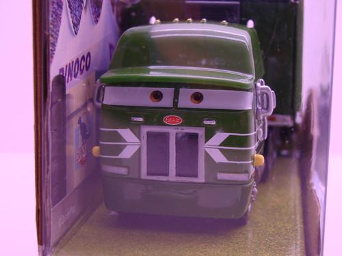 disney CARS Gil Hauler (1)