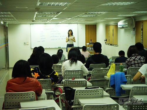 驅勢語言教育中心Dawn老師的上課情形。