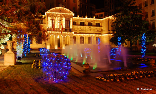 Jardines del Palacio de Navarra iluminados en Navidad