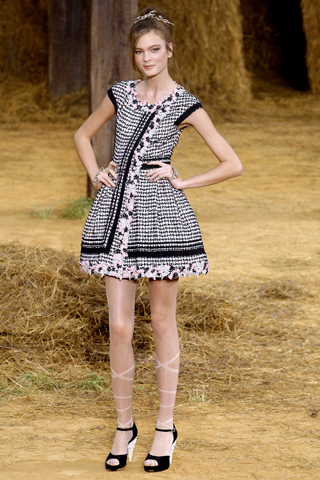 chanel-spring-2010-ready-to-wear-10