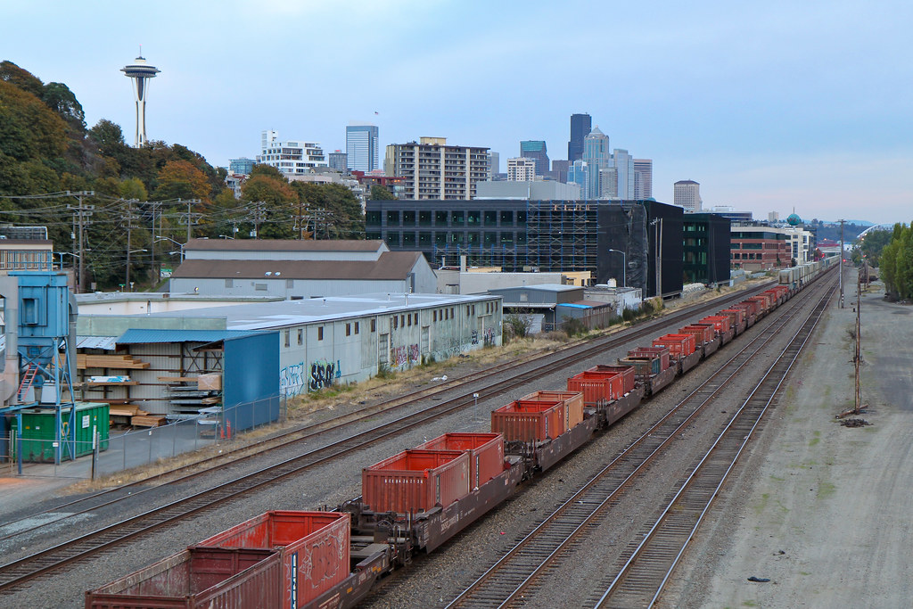 Seattle downtown train tracks
