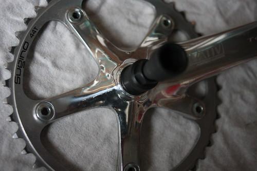 Crank with Cotterless Crank Extractor