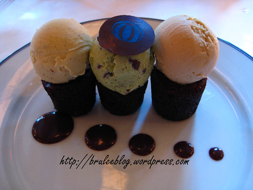 Bouchon - Bouchons and ice cream