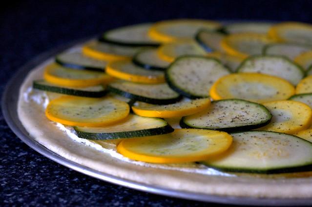 lemony zucchini pizza