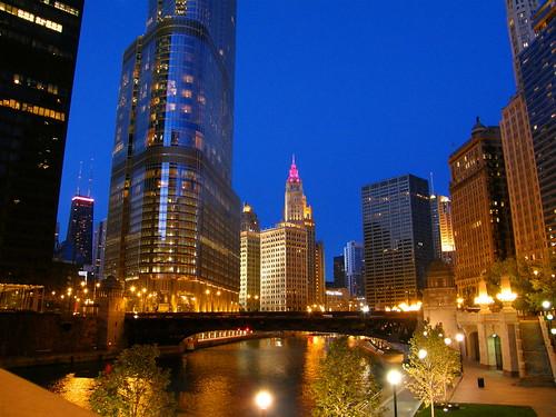 Atardecer en Chicago River