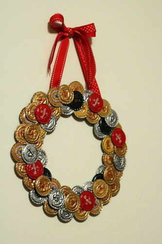 beer bottle cap wreath!