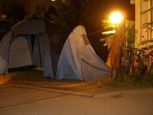 Zelt beim Eingang des Augartenspitz