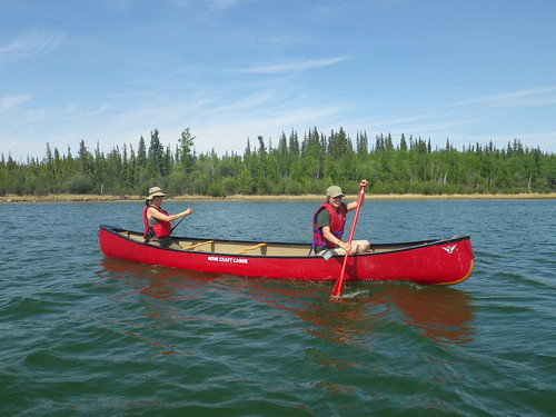 Meagan and Laura on the Yellowknife River