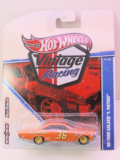 hot wheels vintage racing '65 ford galaxie i. motors (1)