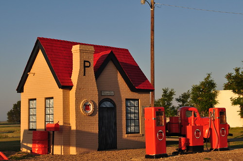 1920s Cottage Style Phillips 66 Service Station Flickr
