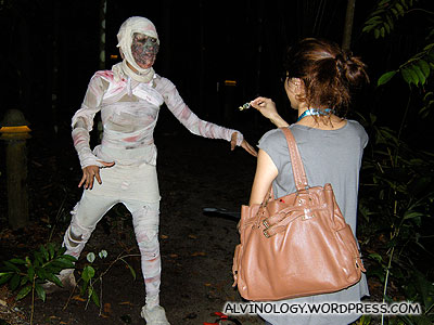 Rachel tried to offer candies to this mummy