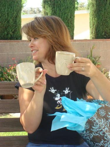 shellie and mugs