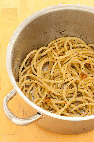 pasta with rosemary & garlic