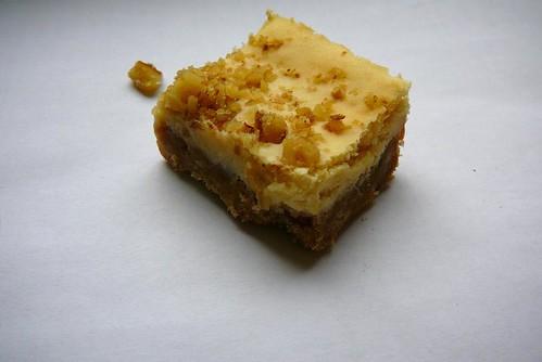 lemon walnut cheesecake