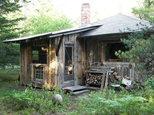 Cabin on the Yellowdog Plains