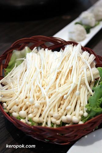 Inoki Mushrooms