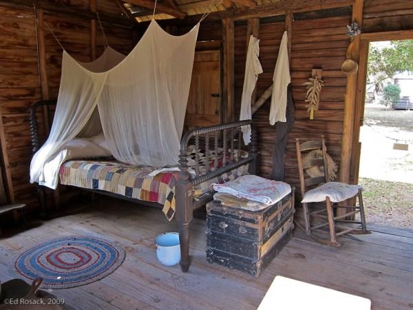 Fort-Christmas_IMG_0190_Sleeping quarters