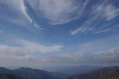 福井県勝山市「赤兎山」秋空