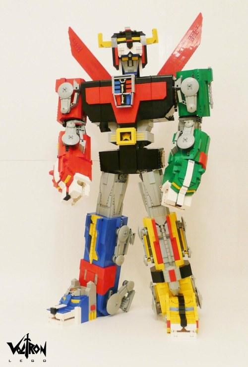 Mark Sandlin's LEGO Voltron