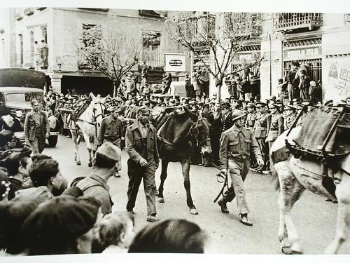 Desfile militar en la calle Libreros