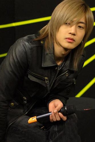 Kim Hyun Joong Ketua Boyband SS501