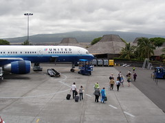 United jet and Kona airport