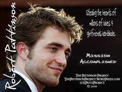 Wallpaper:  Robert Pattinson:  Stealing Heart [1024 x 768]