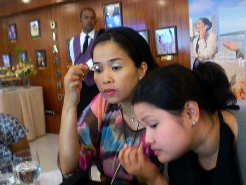 Artistry make-up class with Victor Ortega