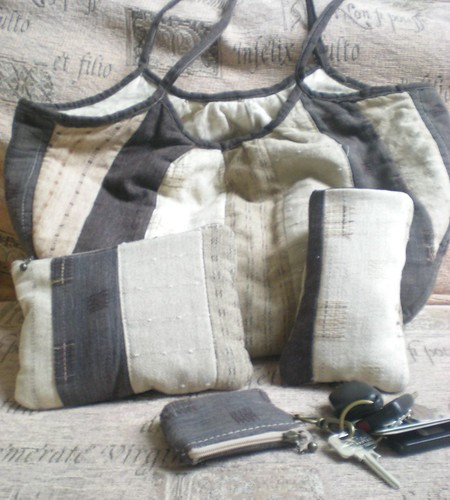 Some matching accessories for my handbag I made...using leftover scraps