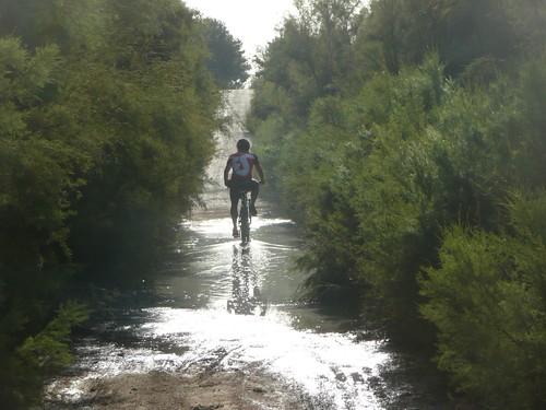 Bicipoli por los charcos del embalse de la pedrera