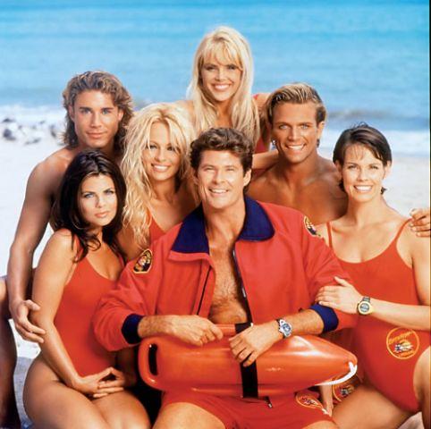 Los vigilantes de la playa por ti.
