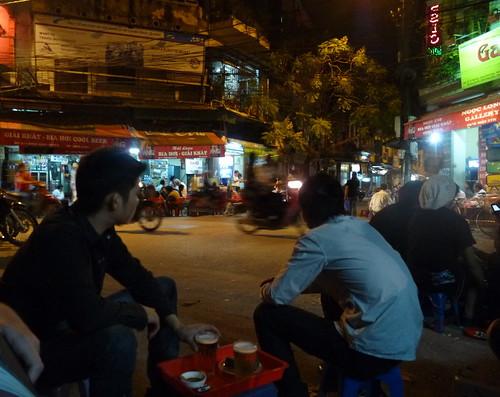 bustling Bia Hoi corner
