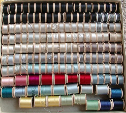 silks button hole thread