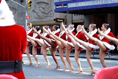 "RCMH Rockettes kick off ""Christmas in August 2009"""