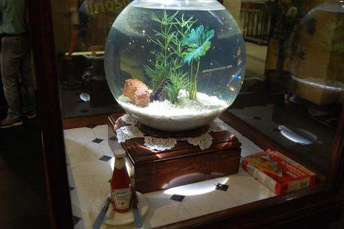 Fish finger bowl